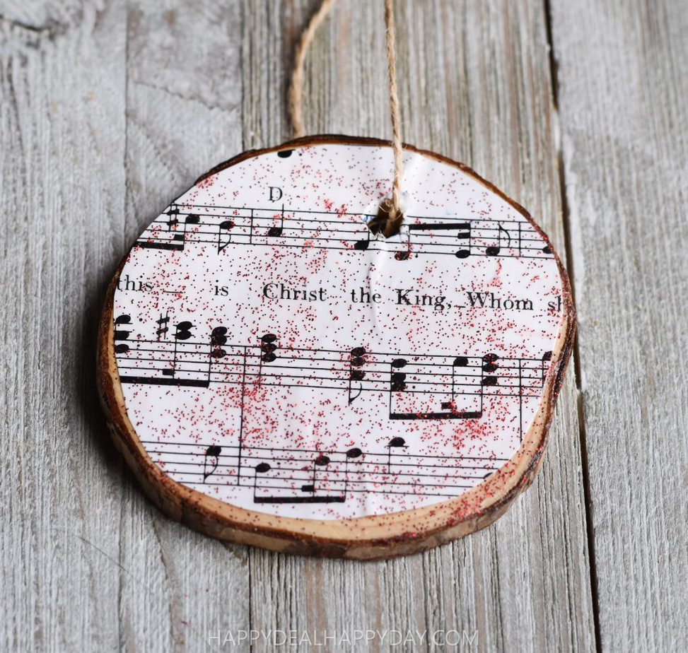 back side of wood slab DIY Christmas ornament Christmas craft using thrift store books